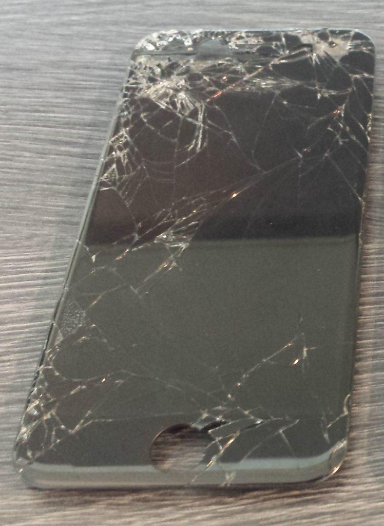 Ecran d' APPLE iPhone 6 - cassé
